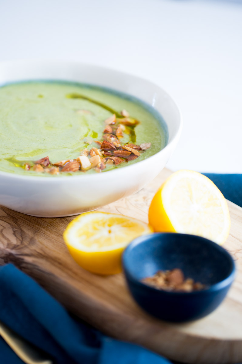 This soup is healthy, delicious and perfect for vegans. This broccoli and zucchini soup is seasoned with nutricional yeast that has tons of B12 vitamin.