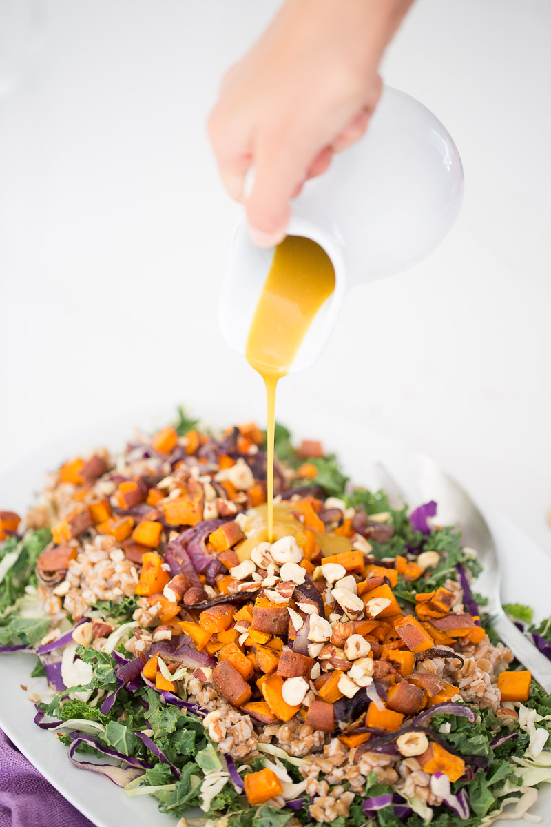 This autumn salad recipe with vegan honey-mustard dressing is easy, nutritious and perfect for this season. I'm obsessed with it!