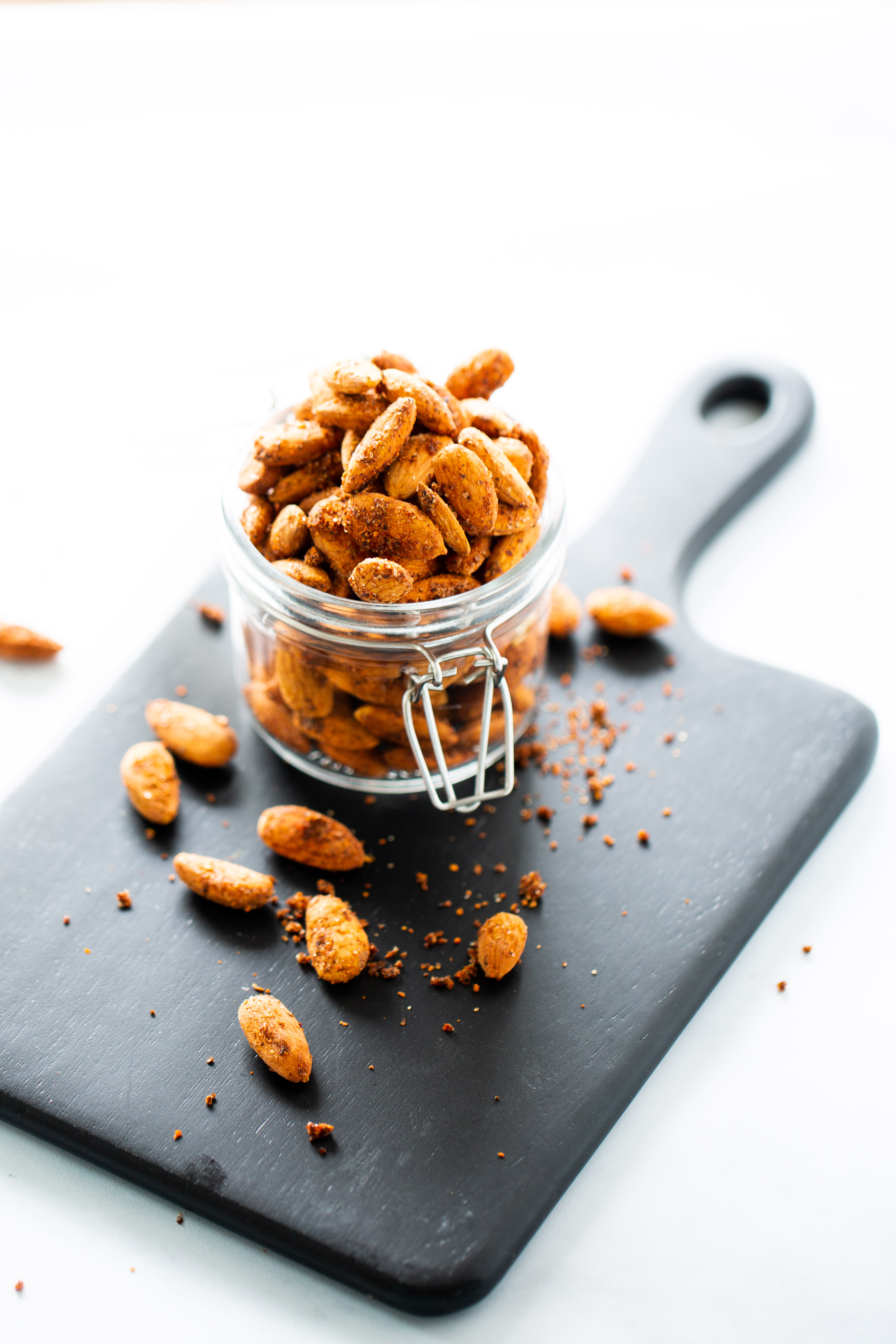 oven roasted spicy almonds